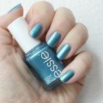 Essie Beach Bum Blu nagellak