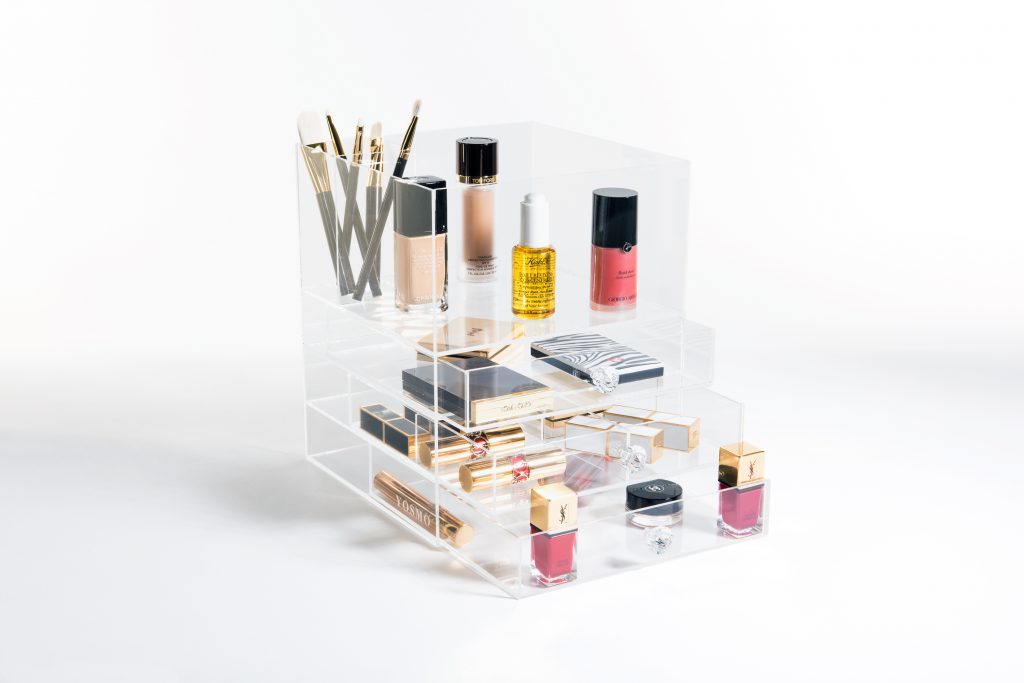 Uit de Pers! Yosmo: Your Own Smart Make-up Organizer -
