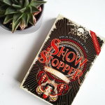 Boekenreview: Showstopper – Hayley Barker
