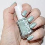 Essie Passport to Happiness nagellak swatch