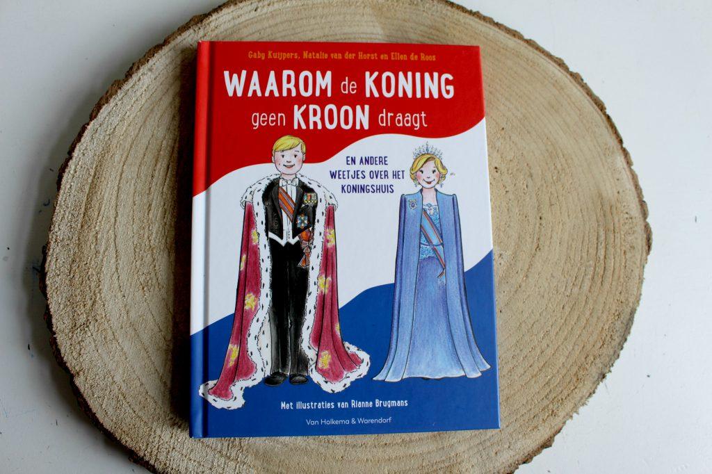 waarom de koning geen kroon draagt